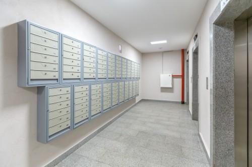 L'accès des Huissiers de Justice aux parties communes d'immeubles